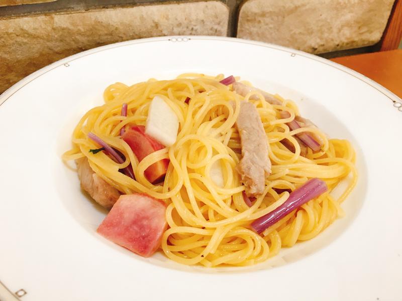 ぶーぶーファームの自然豚と氷見ベジ野菜のペペロンチーノ